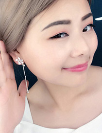 Elagant Rose Gold Leaf Shape Decorated Simple Earrings