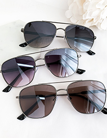 Fashion Black Alloy Resin Rounded Sunglasses