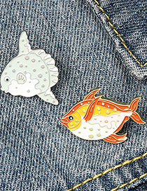 Fashion Red Paint Enamel Small Fish Alloy Brooch
