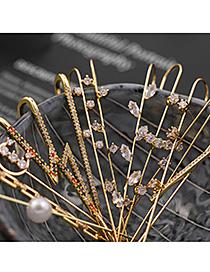 Fashion Leaf Shape Pierced Micro-inlaid Zircon Surround Geometric Contour Earrings