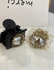 Fashion White Large Pearl Acrylic Insect Clamp