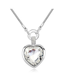Uniqe White Simple Heart Shape Design Glass Crystal Necklaces