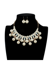 Vintage White Round Shape Decorated Jewelry Sets