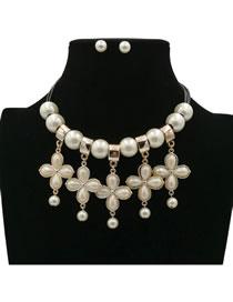 Elegant White Flower Shape Decorated Jewelry Sets