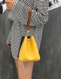Fashion Yellow Color Matching Decorated Simple Shoulder Bag