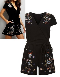 Fashion Black Embroidery Flower Decorated Jumpsuit