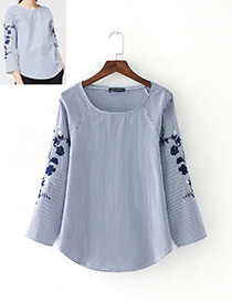 Vinatge Blue Embroidery Flower Decorated Blouse