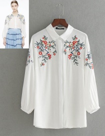 Fashion White Embroidery Flower Decorated Shirt