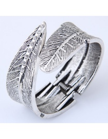 Fashion Silver Color Metal Leaf Shape Decorated Ring