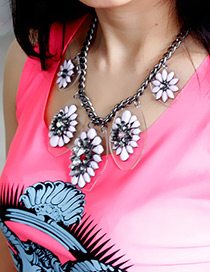 Trendy Pink Flower Shape Decorated Simple Necklace