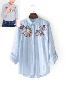 Elegant Blue Peony Shape Decorated Shirt