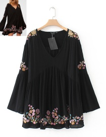 Trendy Black Embroidery Flower Decorated V Neckline Dress