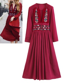 Fashion Red Embroidery Flower Decorated Dress
