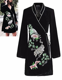 Vintage Black Embroidery Flowers Shape Decorated Dress