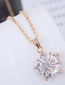Fashion Gold Color Flower Pattern Decorated Necklace