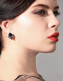 Vinatge Blue Geometric Shape Diamond Decorated Earrings