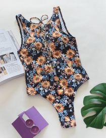 Fashion Black Chrysanthemum Pattern Decorated Swimwear