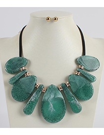 Fashion Green Water Drop Shape Decorated Necklace