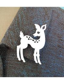 Vintage White Sika Deer Shape Design Simple Brooch
