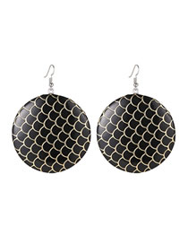 Elegant Black Fish Scale Shape Design Round Shape Earrings