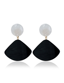 Fashion Black Scalloped Earring