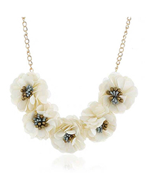 Fashion White Cloth Flower Necklace