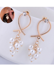 Fashion Gold Metal Pearl Grape String Earrings