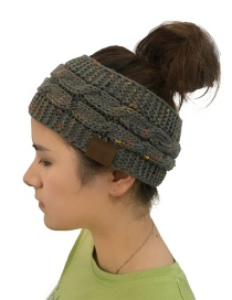 Fashion Gray Hemp Flowers Shape Design Knitted Hat