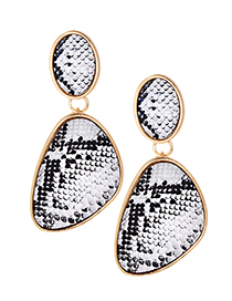 Fashion White Snake Skin Pattern Decorated Earrings