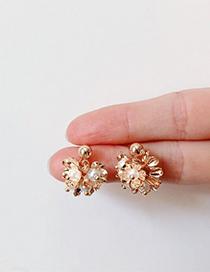 Fashion Gold Daisy Pearl Stud Earrings