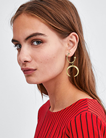 Fashion Gold Alloy Crescent Earrings