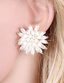 Fashion White Beaded Three-dimensional Flower Pearl Stud Earrings