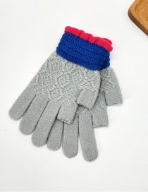 Fashion Gray Contrast Lace Points With Knitted Wool And Velvet Gloves