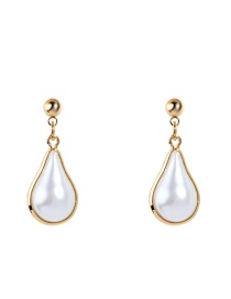 Fashion Gold Metal-covered Pearl Stud Earrings
