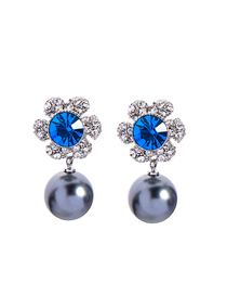 Fashion Gun Black Flower-studded Pearl Earrings