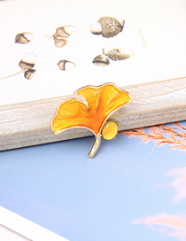 Fashion Yellow Drip Oil Ginkgo Leaves With Diamond Brooch