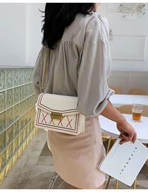 Fashion White Locking Embroidery Thread Chain Diagonal Shoulder Bag