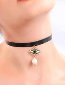 Fashion Black Eye Pearl Necklace