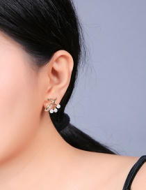 Fashion Gold Alloy Leaf Pearl Stud Earrings