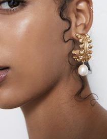Fashion Gold Alloy Lace Circle Pearl Stud Earrings