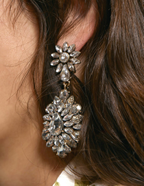 Fashion White Flower Full Diamond Flower Earrings