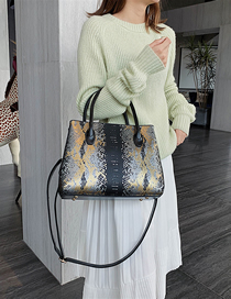 Fashion Black Gold Snake Shoulder Bag