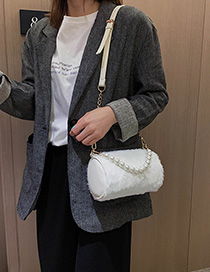 Fashion White Fur Pearl Chain Portable Messenger Bag