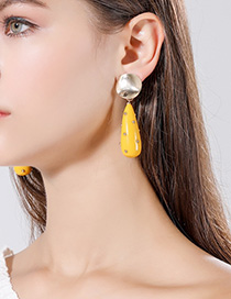 Fashion Yellow Large Rivet Drop Embossed Round Earrings