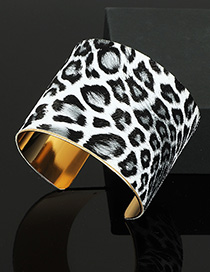 Fashion Leopard Metal C-shaped Bracelet