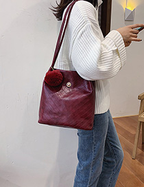 Fashion Red Wine Embroidered Wool Ball Shoulder Messenger Bag