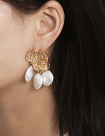 Fashion Golden Shaped Pearl Shaped Geometric Pearl Concave Earrings