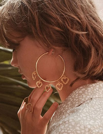 Fashion Golden Gold-plated Large Circle Heart Openwork Earrings