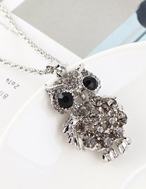Fashion Platinum Owl Diamond Cutout Necklace