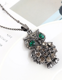 Fashion Gun Black + Green Owl Diamond Cutout Necklace